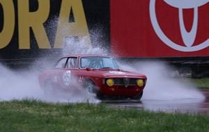 Yağmurda araç kullanma